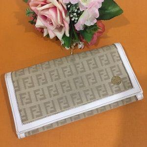 💯 Authentic Fendi Patina Zucca wallet